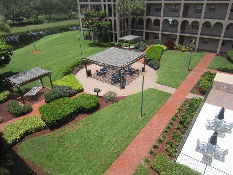 3. Condominiums for Sale at 6100 GULFPORT BOULEVARD S 414 Gulfport, Florida 33707 United States
