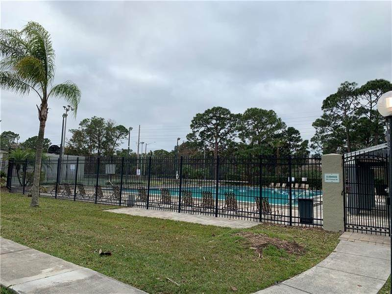 4. Condominiums for Sale at 4128 YELLOW PINE LANE 4 Orlando, Florida 32811 United States