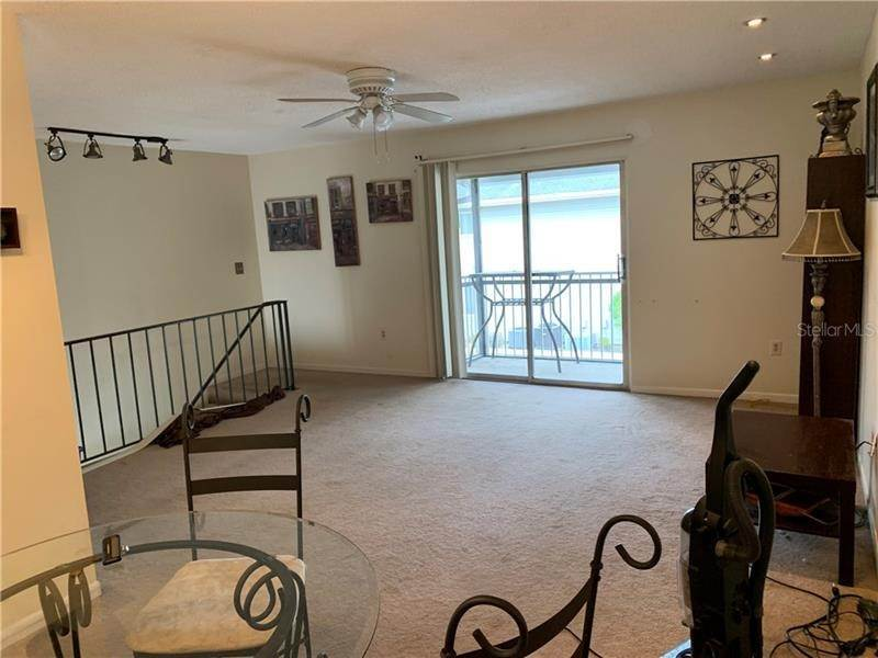 9. Condominiums for Sale at 4128 YELLOW PINE LANE 4 Orlando, Florida 32811 United States