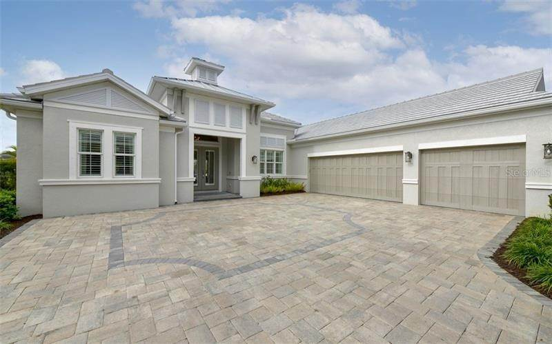 2. Single Family Homes for Sale at 528 REGATTA WAY Bradenton, Florida 34208 United States