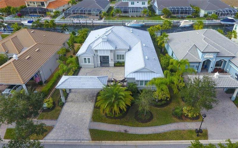 3. Single Family Homes for Sale at 528 REGATTA WAY Bradenton, Florida 34208 United States