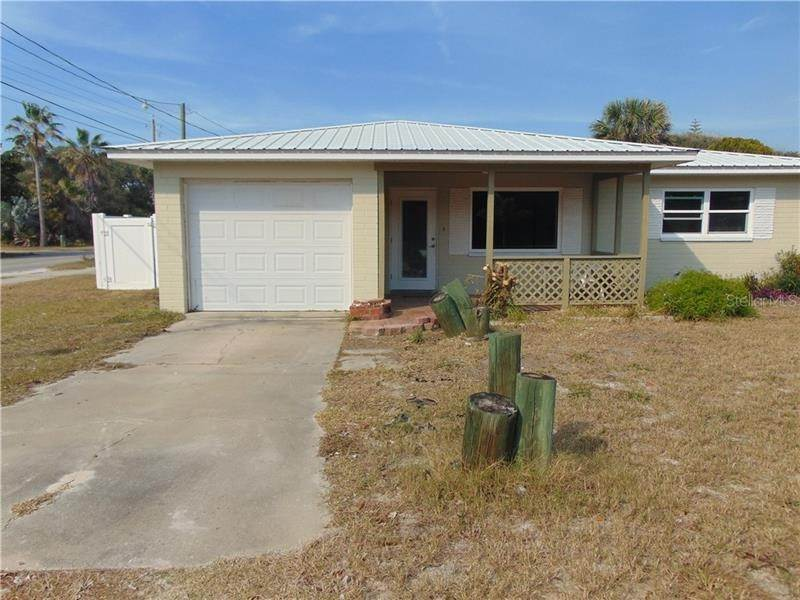 12. Single Family Homes for Sale at 200 BEACHWAY AVENUE New Smyrna Beach, Florida 32169 United States