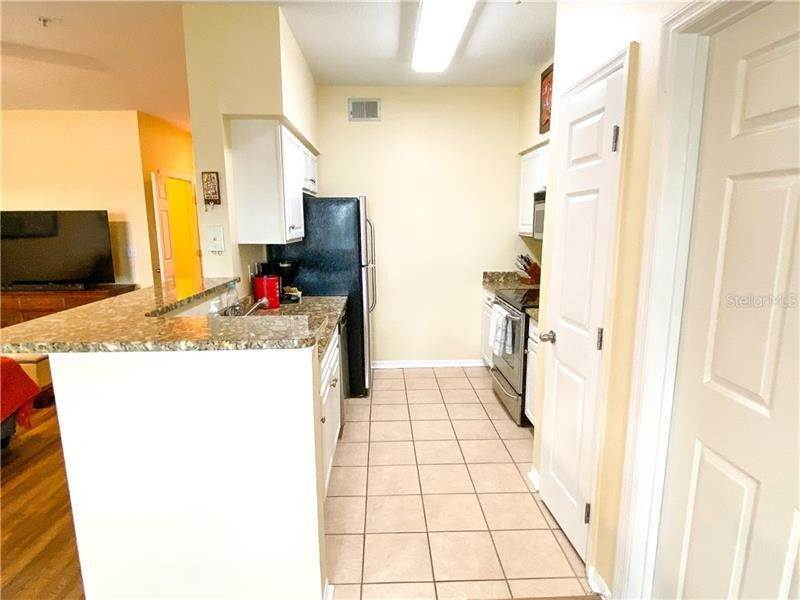 12. Condominiums for Sale at 1810 E PALM AVENUE 7204 Tampa, Florida 33605 United States