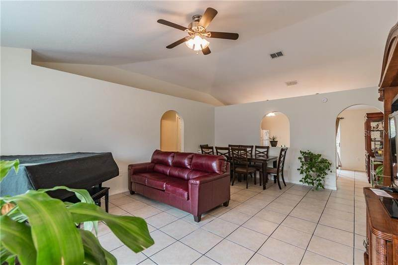 10. Single Family Homes for Sale at 1047 GAGE AVENUE Deltona, Florida 32738 United States