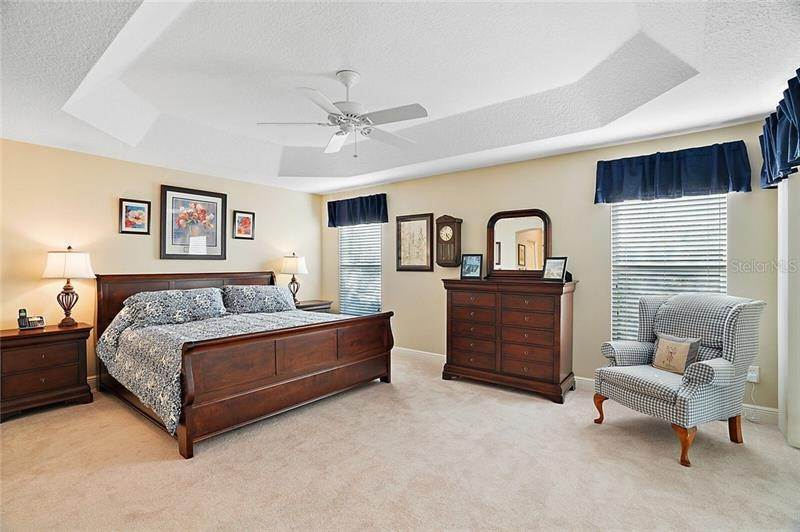 14. Single Family Homes for Sale at 2477 MAVERICK WAY The Villages, Florida 32162 United States