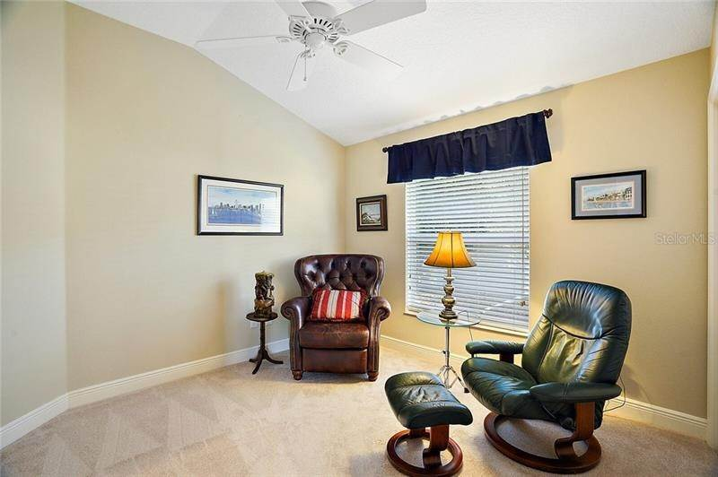 18. Single Family Homes for Sale at 2477 MAVERICK WAY The Villages, Florida 32162 United States