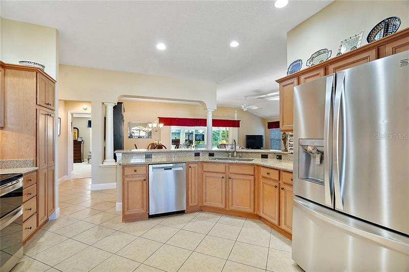 6. Single Family Homes for Sale at 2477 MAVERICK WAY The Villages, Florida 32162 United States