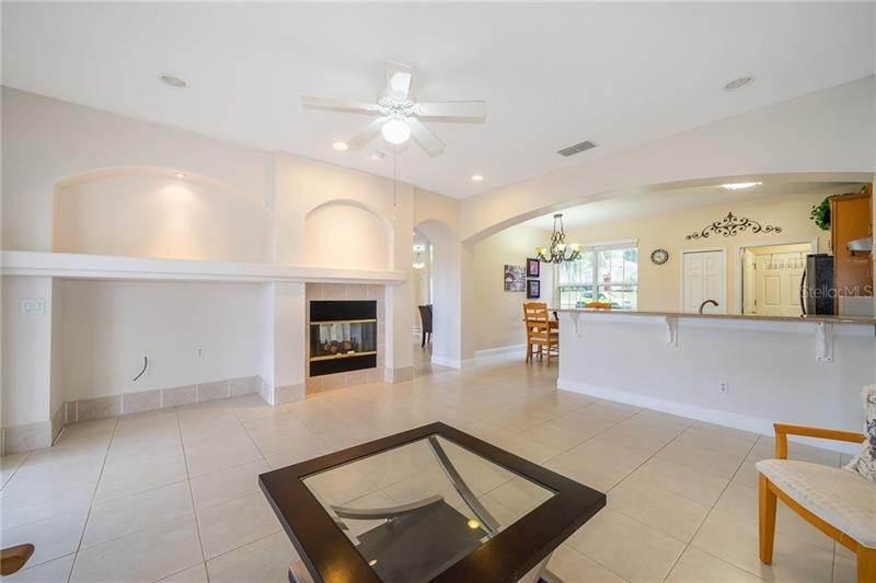 12. Single Family Homes for Sale at 871 COOL SPRINGS CIRCLE Ocoee, Florida 34761 United States