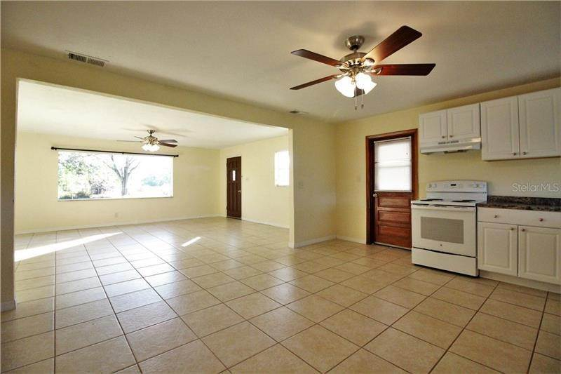 3. Single Family Homes at 2966 PHIPPS ROAD Auburndale, Florida 33823 United States