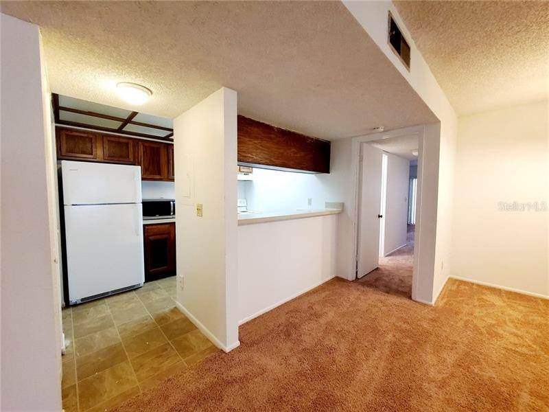 6. Condominiums for Sale at 2597 COUNTRYSIDE BOULEVARD 114 Clearwater, Florida 33761 United States