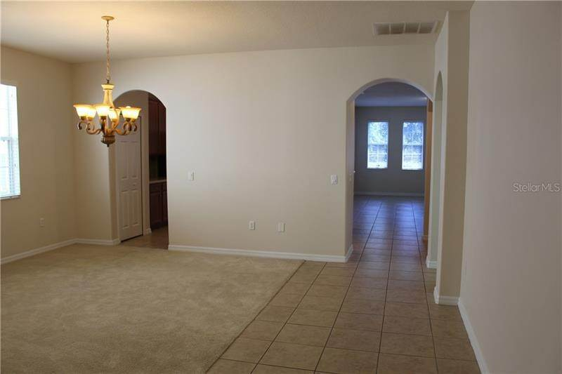 3. Single Family Homes at 9238 KENSINGTON ROW COURT Orlando, Florida 32827 United States