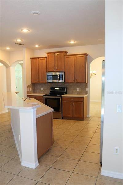 5. Single Family Homes at 9238 KENSINGTON ROW COURT Orlando, Florida 32827 United States
