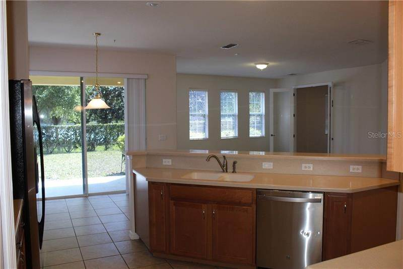 7. Single Family Homes at 9238 KENSINGTON ROW COURT Orlando, Florida 32827 United States