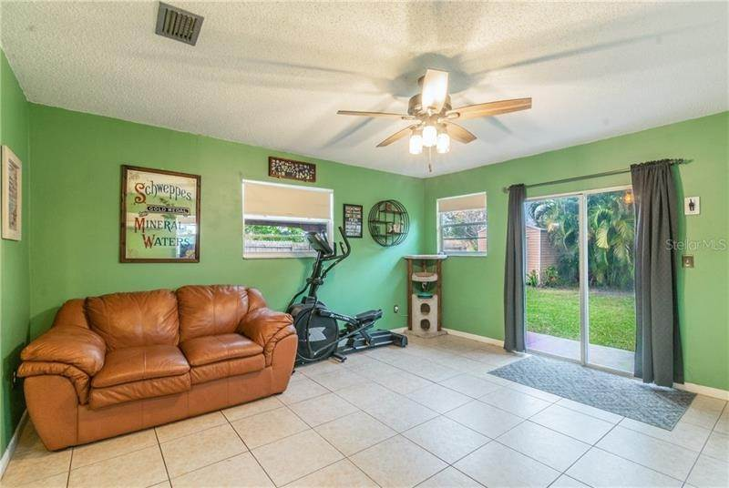 17. Single Family Homes for Sale at 757 ANGLE STREET NE Palm Bay, Florida 32905 United States