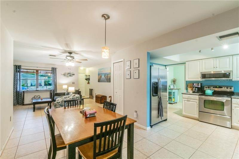 6. Single Family Homes for Sale at 757 ANGLE STREET NE Palm Bay, Florida 32905 United States