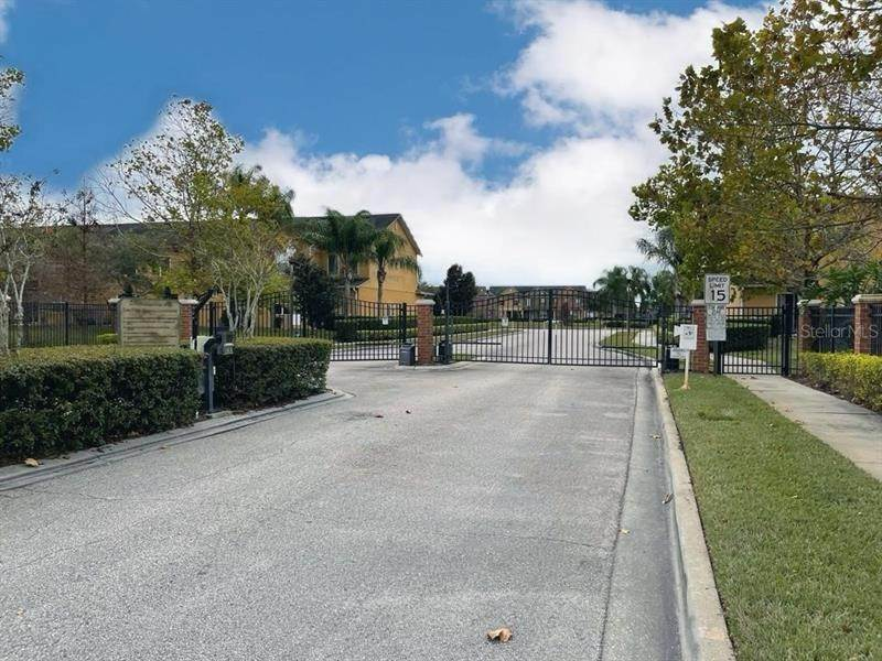 16. townhouses for Sale at 6106 CHAPLEDALE DRIVE Orlando, Florida 32829 United States