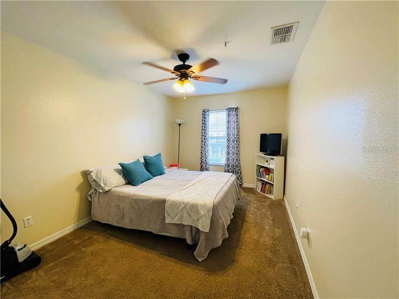 6. townhouses for Sale at 6106 CHAPLEDALE DRIVE Orlando, Florida 32829 United States