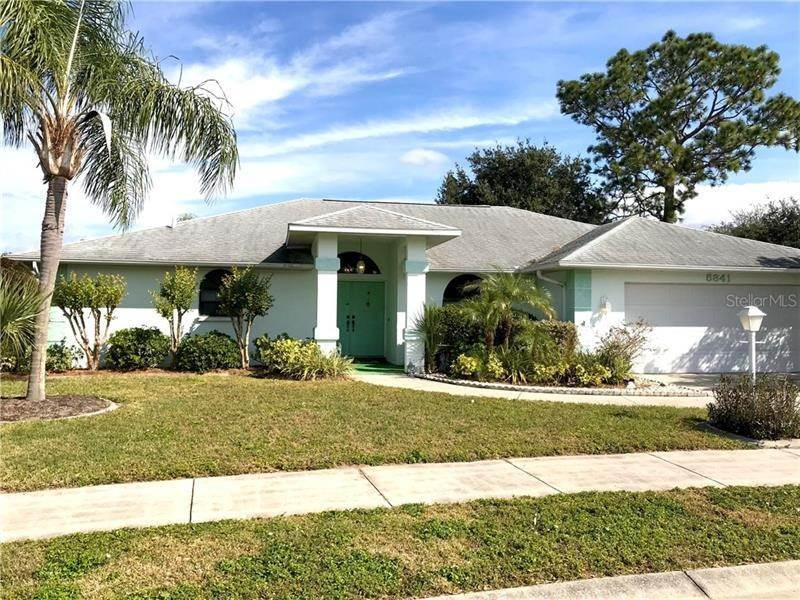 Single Family Homes for Sale at 5841 HELEN WAY Sarasota, Florida 34243 United States