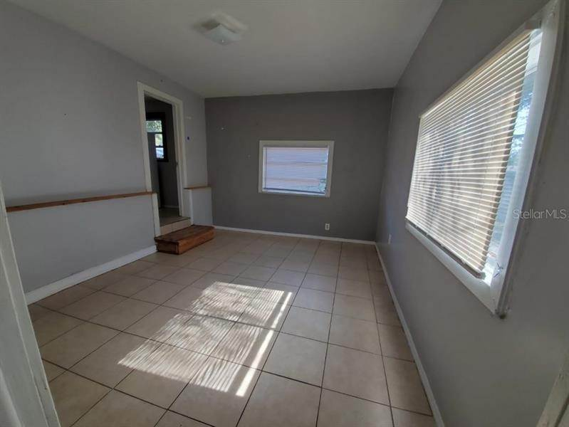 15. Single Family Homes for Sale at 4842 16TH STREET Zephyrhills, Florida 33542 United States