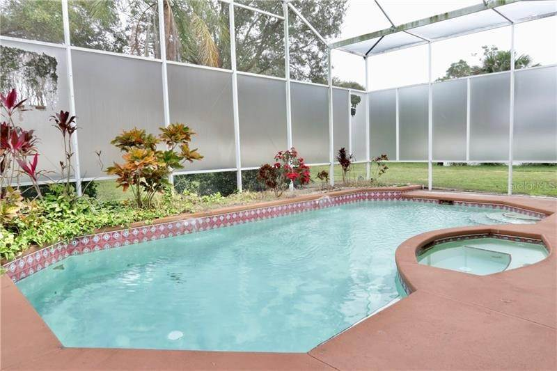 20. Single Family Homes for Sale at 1101 ZACHARY WAY Orlando, Florida 32835 United States