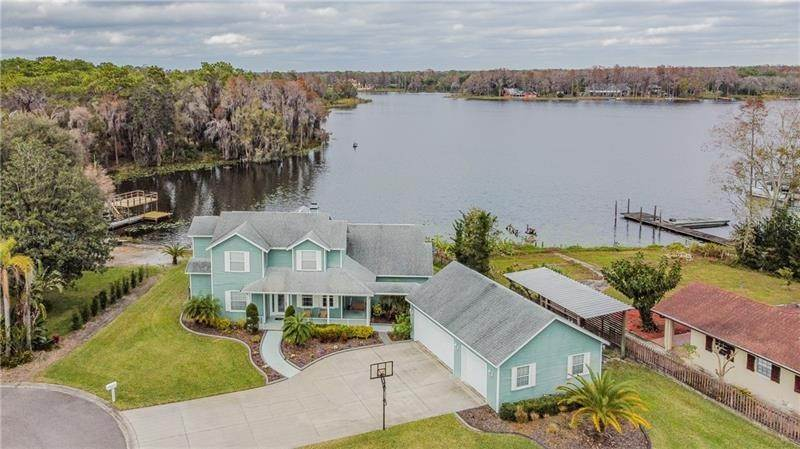 4. Single Family Homes for Sale at 10207 LAKE GROVE DRIVE Odessa, Florida 33556 United States