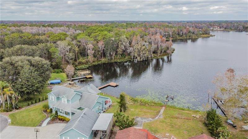 8. Single Family Homes for Sale at 10207 LAKE GROVE DRIVE Odessa, Florida 33556 United States