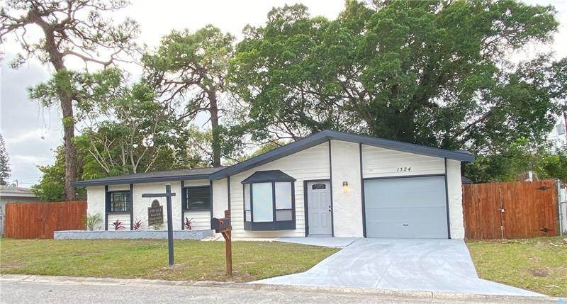 Single Family Homes for Sale at 1324 65TH STREET NW Bradenton, Florida 34209 United States