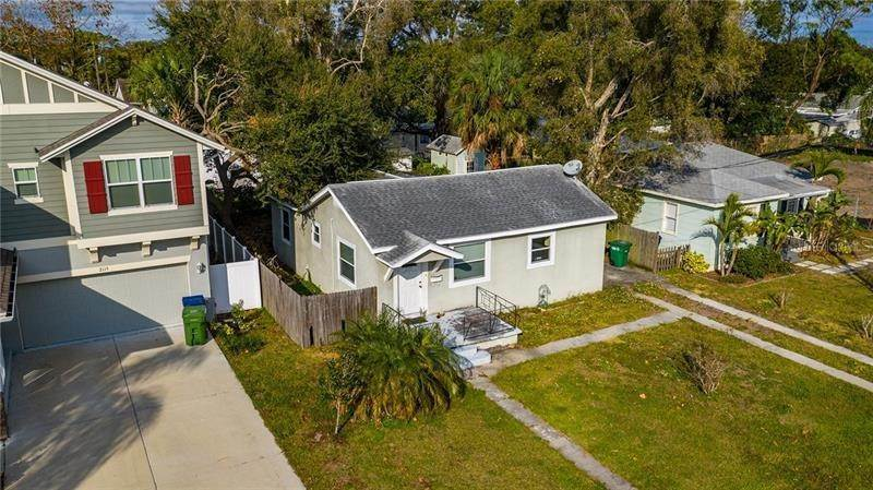 2. Single Family Homes for Sale at 2111 W LEMON STREET Tampa, Florida 33606 United States