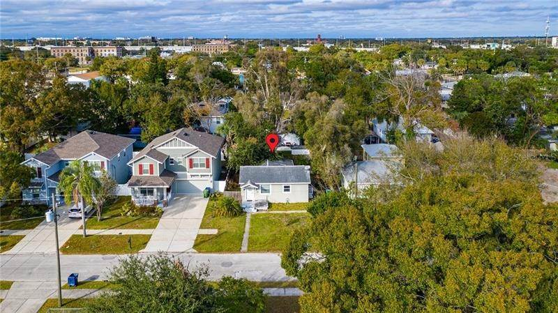 6. Single Family Homes for Sale at 2111 W LEMON STREET Tampa, Florida 33606 United States