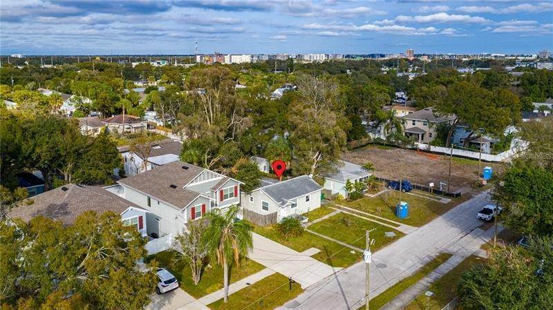 7. Single Family Homes for Sale at 2111 W LEMON STREET Tampa, Florida 33606 United States