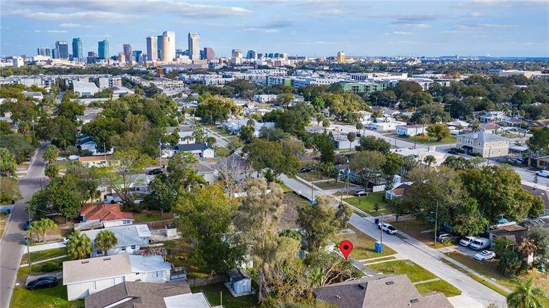 8. Single Family Homes for Sale at 2111 W LEMON STREET Tampa, Florida 33606 United States