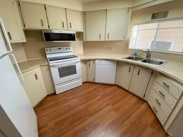 4. Mobile Homes for Sale at 3325 EVERGREEN ROAD 1690 Zellwood, Florida 32798 United States