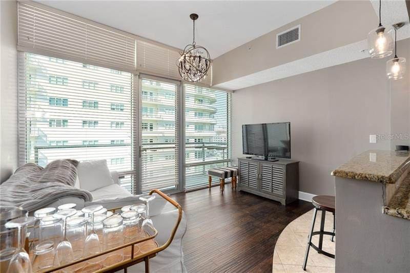 14. Condominiums for Sale at 101 S EOLA DRIVE 1116 Orlando, Florida 32801 United States