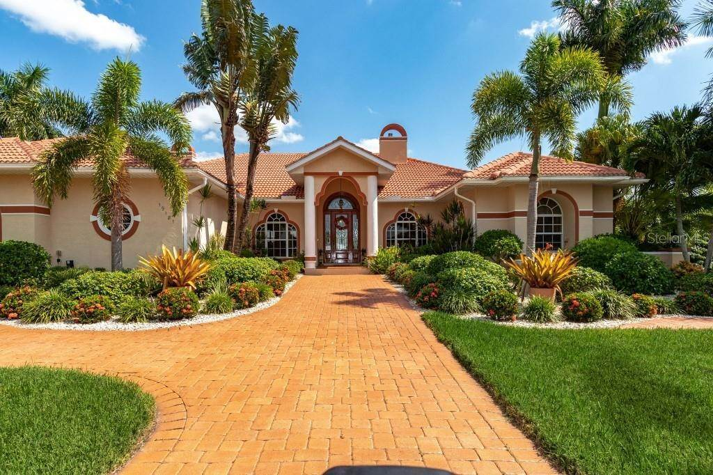 2. Single Family Homes for Sale at 19181 MIDWAY BOULEVARD Port Charlotte, Florida 33948 United States