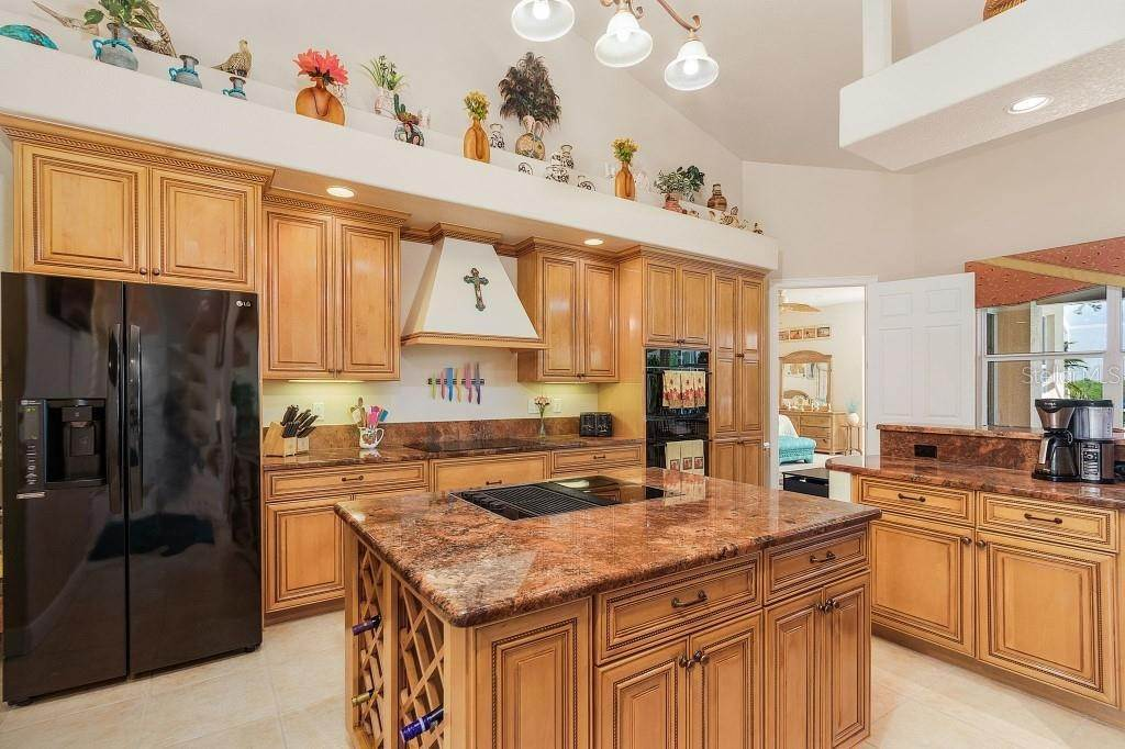 11. Single Family Homes for Sale at 19181 MIDWAY BOULEVARD Port Charlotte, Florida 33948 United States