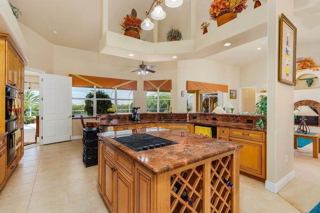 12. Single Family Homes for Sale at 19181 MIDWAY BOULEVARD Port Charlotte, Florida 33948 United States