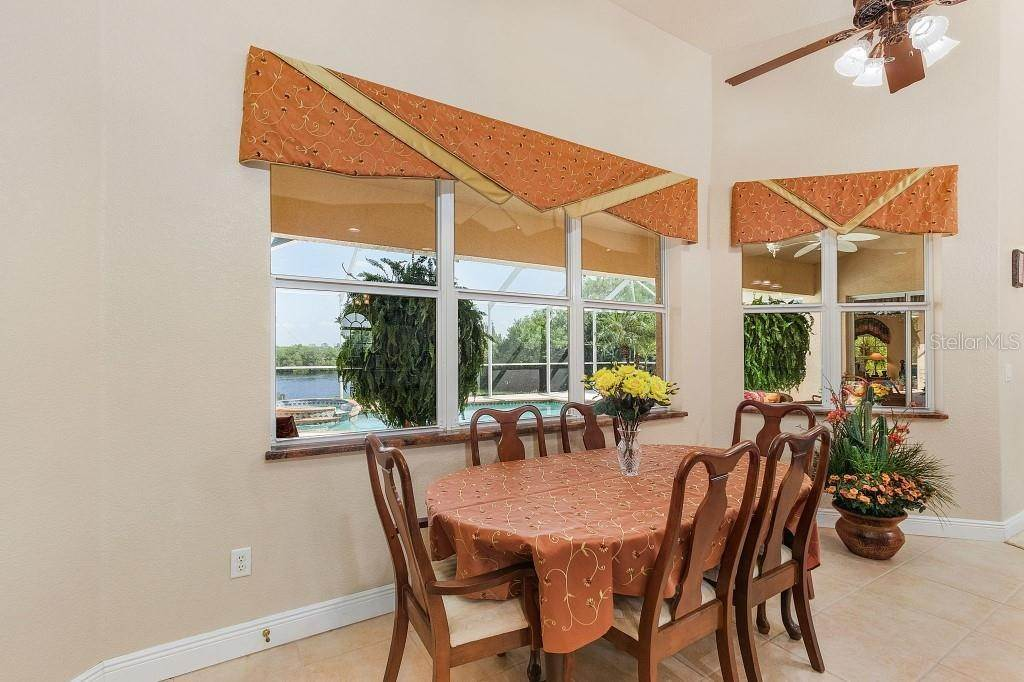 13. Single Family Homes for Sale at 19181 MIDWAY BOULEVARD Port Charlotte, Florida 33948 United States