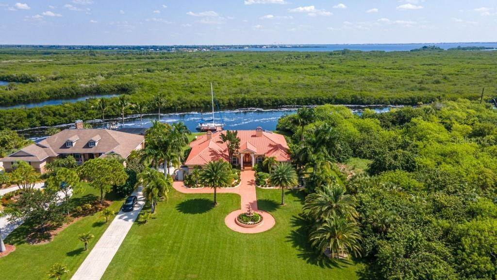 3. Single Family Homes for Sale at 19181 MIDWAY BOULEVARD Port Charlotte, Florida 33948 United States