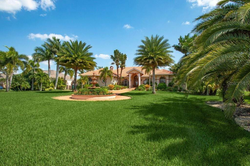 5. Single Family Homes for Sale at 19181 MIDWAY BOULEVARD Port Charlotte, Florida 33948 United States