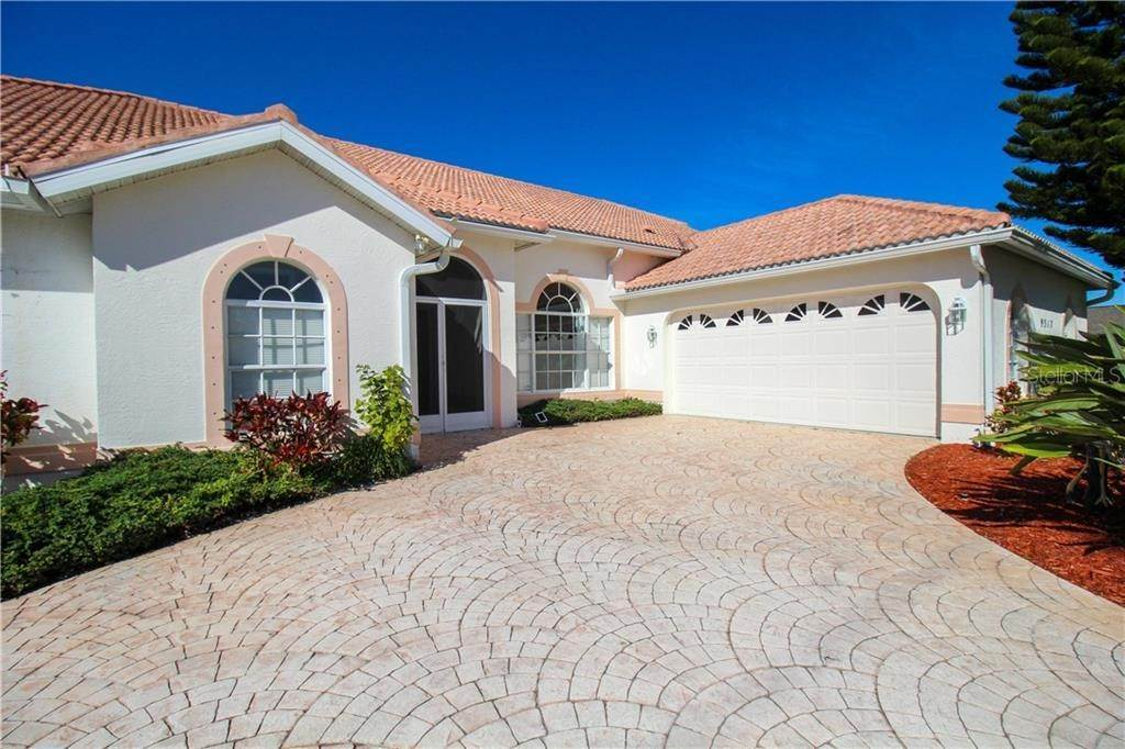 Single Family Homes en 9317 ST PAUL DRIVE Port Charlotte, Florida 33981 Estados Unidos