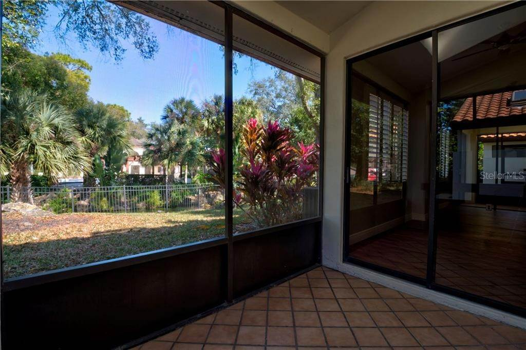 18. Condominiums for Sale at 521 VIA VERONA LANE 102 Altamonte Springs, Florida 32714 United States