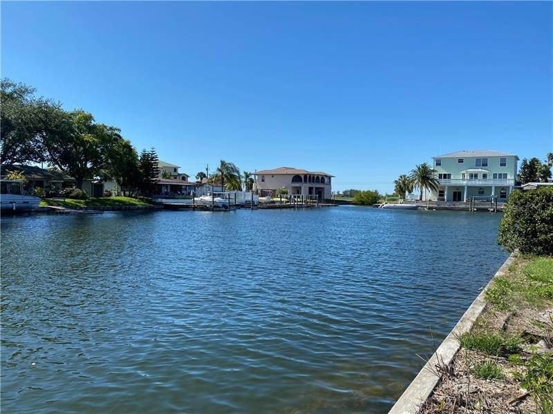 Single Family Homes for Sale at 4287 NEWPORT DRIVE Hernando Beach, Florida 34607 United States