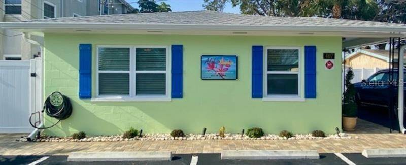 Quadraplex por un Venta en 407 18TH AVENUE Indian Rocks Beach, Florida 33785 Estados Unidos