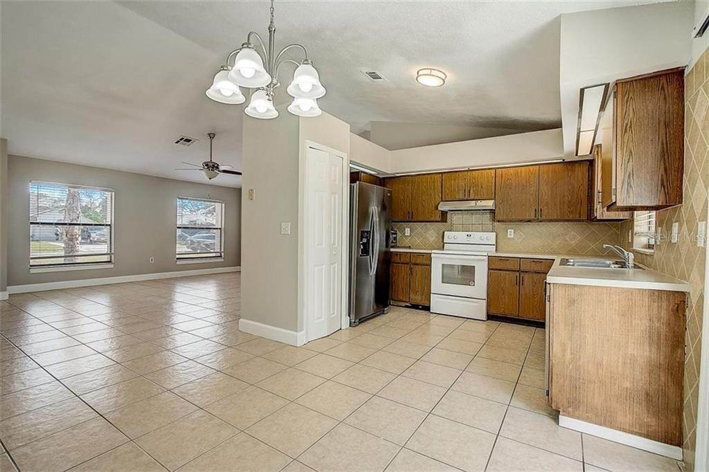 14. Single Family Homes for Sale at 4144 BALD EAGLE DRIVE Kissimmee, Florida 34746 United States
