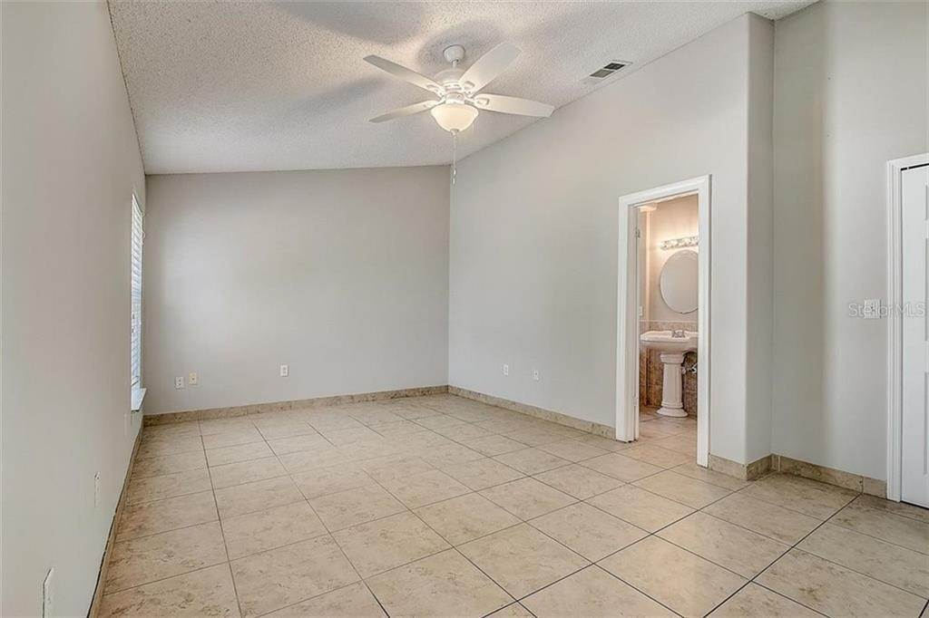 18. Single Family Homes for Sale at 4144 BALD EAGLE DRIVE Kissimmee, Florida 34746 United States
