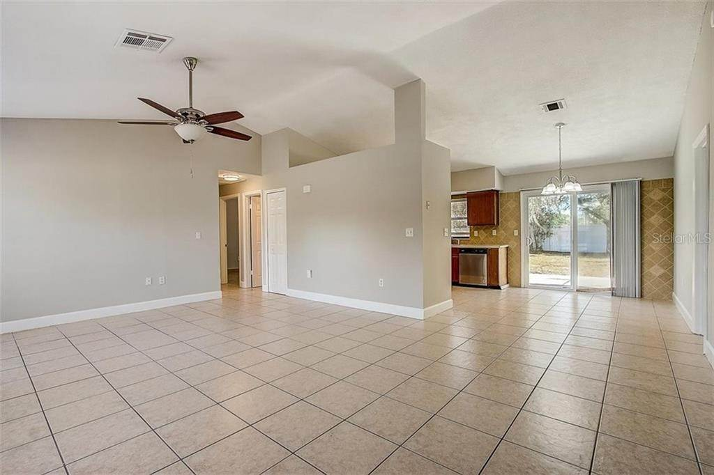 8. Single Family Homes for Sale at 4144 BALD EAGLE DRIVE Kissimmee, Florida 34746 United States