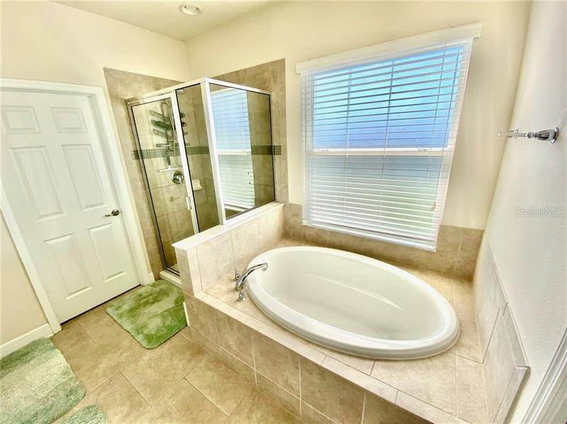 12. Single Family Homes for Sale at 8359 NANDINA DRIVE Sarasota, Florida 34240 United States