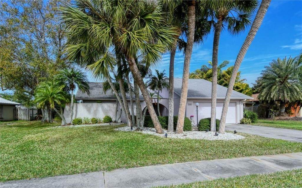 Single Family Homes for Sale at 3635 KINGSTON BOULEVARD Sarasota, Florida 34238 United States
