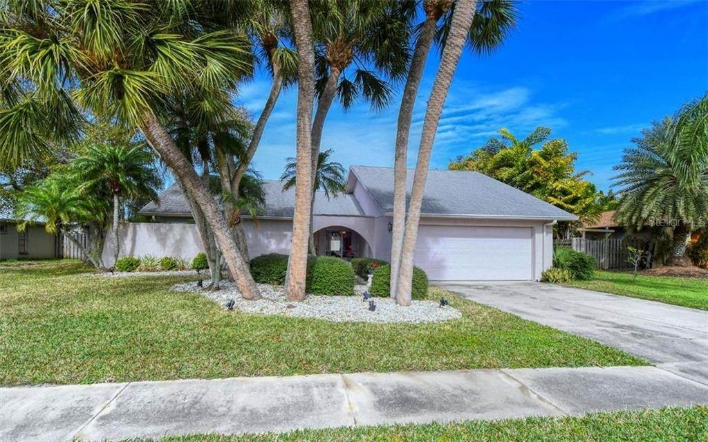 2. Single Family Homes for Sale at 3635 KINGSTON BOULEVARD Sarasota, Florida 34238 United States