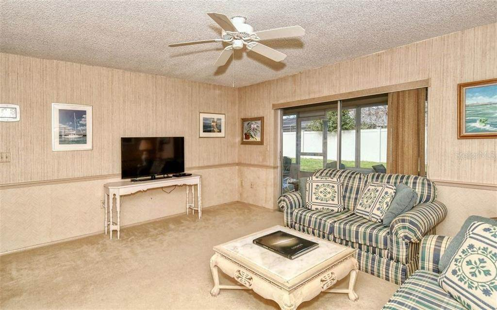 15. Single Family Homes for Sale at 3635 KINGSTON BOULEVARD Sarasota, Florida 34238 United States